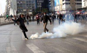 Covid-19: Polícia dispara gás lacrimogéneo para dispersar manifestação na Grécia