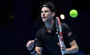 Thiem vence Nadal e fica com um 'pé' nas meias-finais das ATP Finals