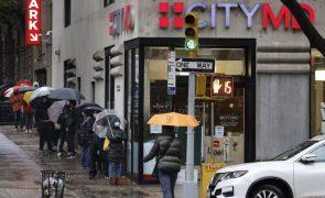 Covid-19: Nova Iorque encerra novamente escolas por causa de aumento de infeções