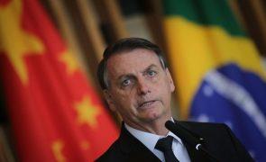 Bolsonaro lisonjeado com elogios de Putin à sua