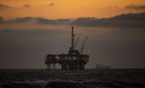 Exportação de petróleo de Angola em janeiro cai para valor mais baixo desde 2008