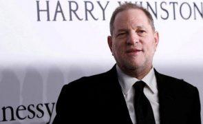 Harvey Weinstein testa negativo à covid-19, mas continua com graves problemas de saúde