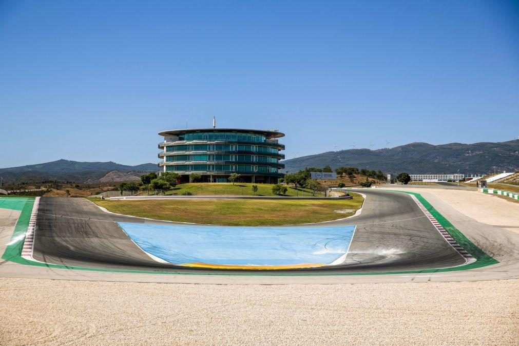 Dia dedicado aos primeiros treinos livres no Grande Prémio de Portugal de MotoGP