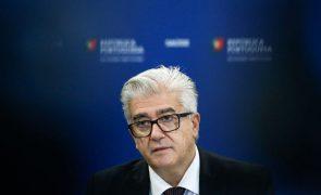 Covid-19: Portugal reservou 7,5 milhões de testes - Governo
