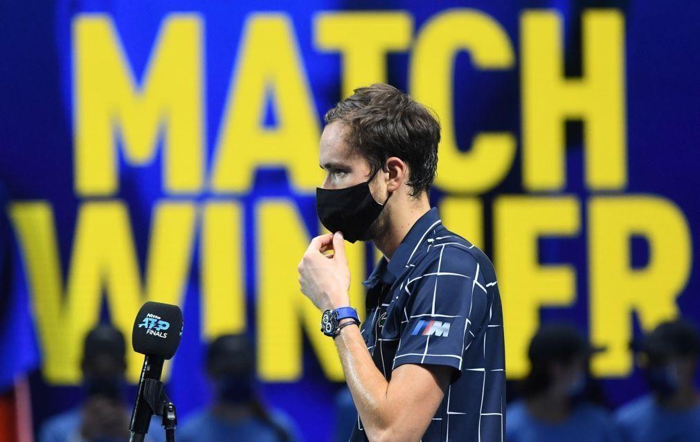 Daniil Medvedev vence Diego Schwartzman e continua invicto nas ATP Finals