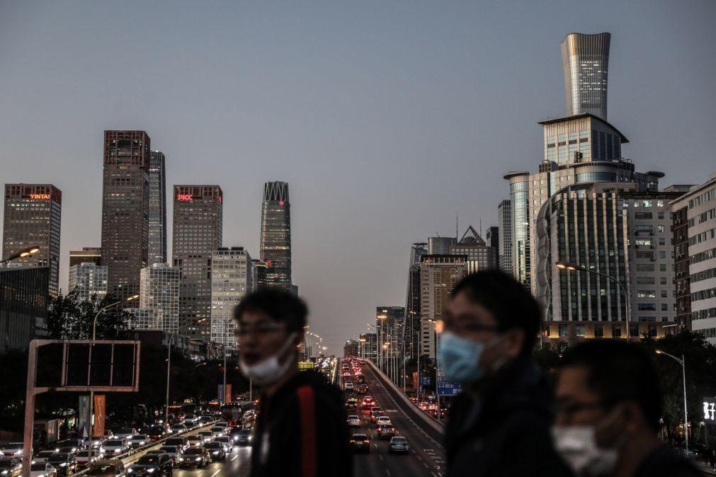Covid-19: China regista 16 casos, sete dos quais são contágios locais