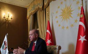 Presidente turco apela à União Europeia para que haja diálogo