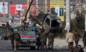 Ataque de sábado em Cabul fez 10 mortos e 51 feridos