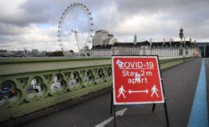 Covid-19: Reino Unido alivia medidas no Natal para facilitar reuniões familiares
