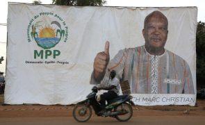 Várias assembleias de voto encerradas devido a ameaças no Burkina Faso