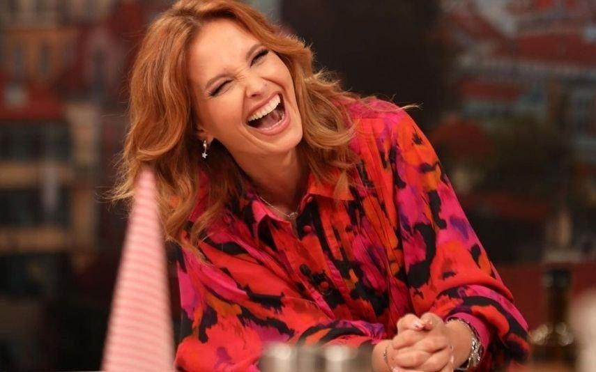 Cristina Ferreira veste camisa com padrão floral de 300 euros