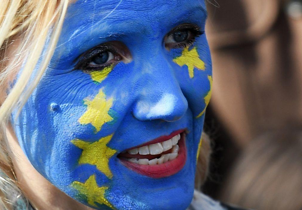 Atividade económica na zona euro cai em novembro devido ao aumento das restrições