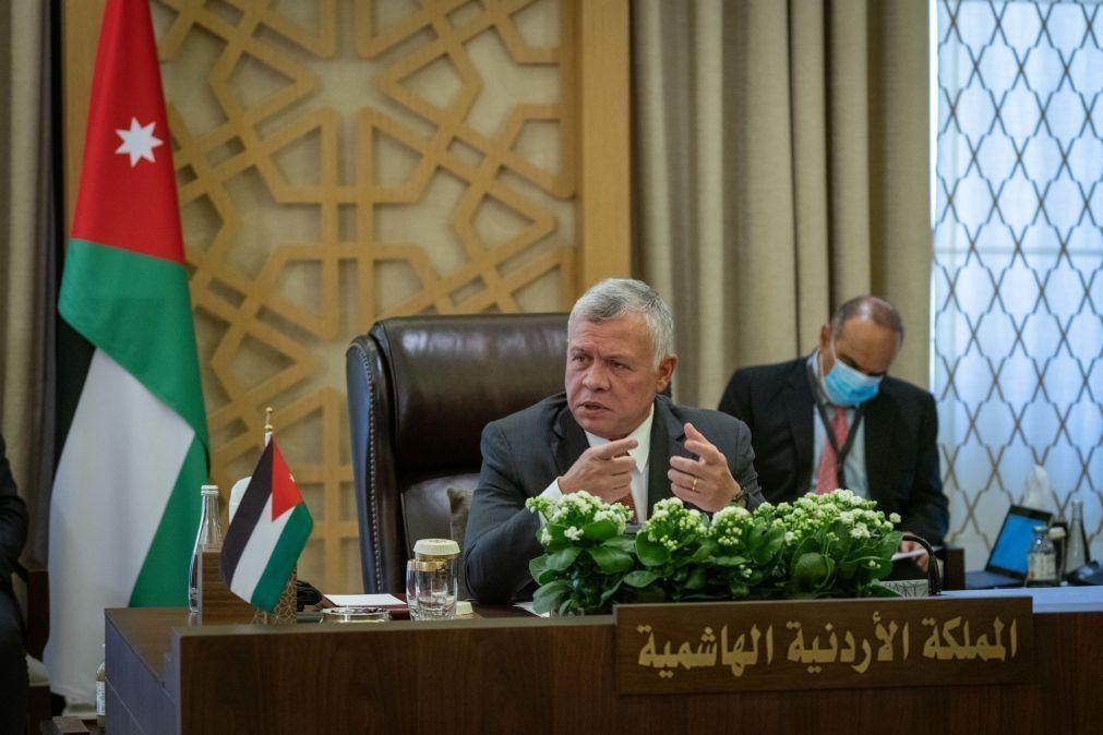Rei da Jordânia foi o primeiro líder árabe a contactar Biden após presidenciais nos EUA