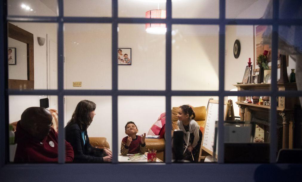 Covid-19: Reuniões familiares permitidas no Natal no Reino Unido