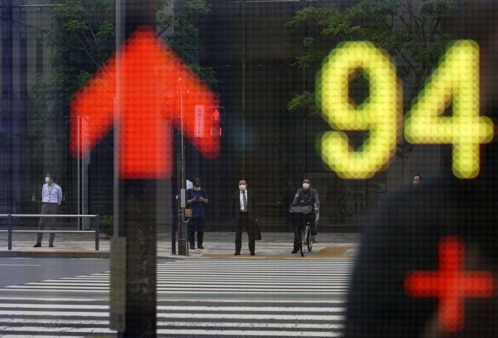 Bolsa de Tóquio ganha 1,59% a meio da sessão