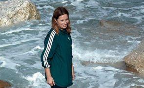 Cristina Ferreira refugia-se na família, nos amigos e… no mar. Fotos exclusivas