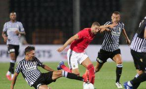 LE: Benfica confirma 'positivo' de Taarabt e Jesus chama jogadores da formação