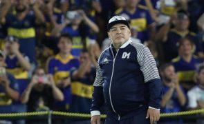 Diego Maradona Morreu o antigo craque do futebol mundial