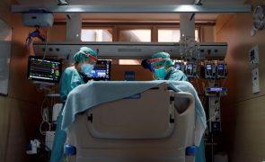 Covid-19: Espanha tem 10.222 novos casos e 369 óbitos num dia