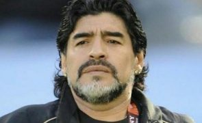 Diego Maradona Famosos incrédulos com a morte do antigo craque: