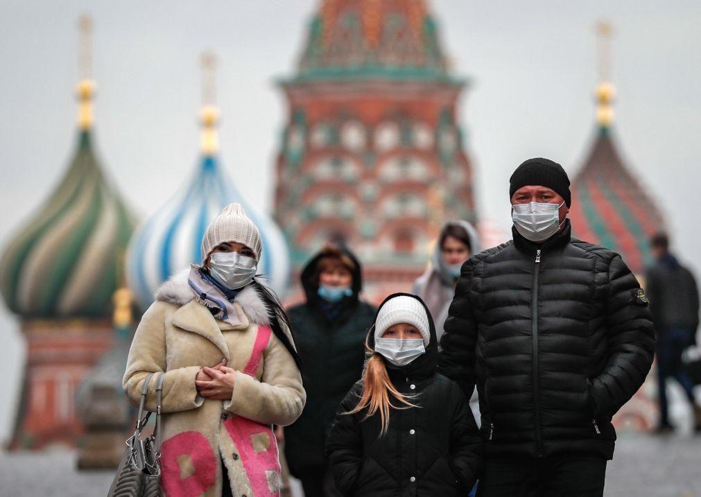 Covid-19: Rússia tem novo recorde com 25.487 novos casos e 524 mortes diárias