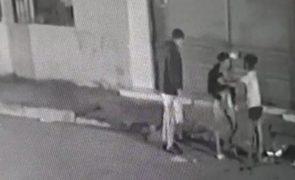 Ciúmes levam mulher a esfaquear atual namorada de ex-companheiro [vídeo]