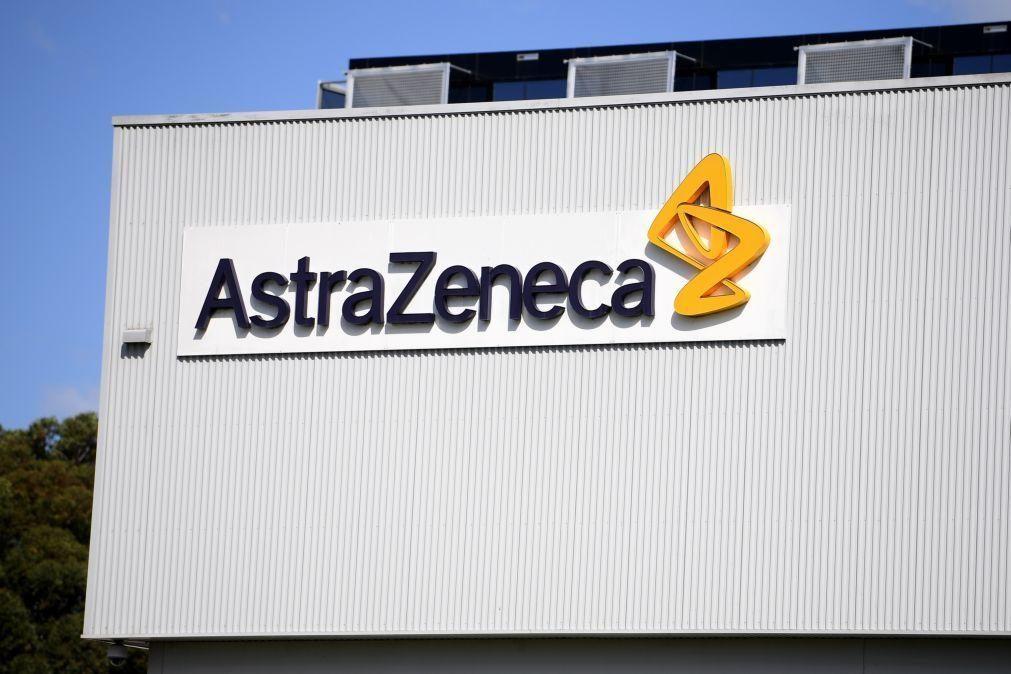 Covid-19: AstraZeneca avança com ensaio adicional para validar eficácia da vacina