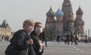 Covid-19: Rússia com novos máximos de infeções diárias, mas menos mortes