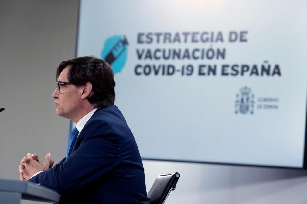 Espanha vacina em três fases até ao verão começando pelos lares de terceira idade