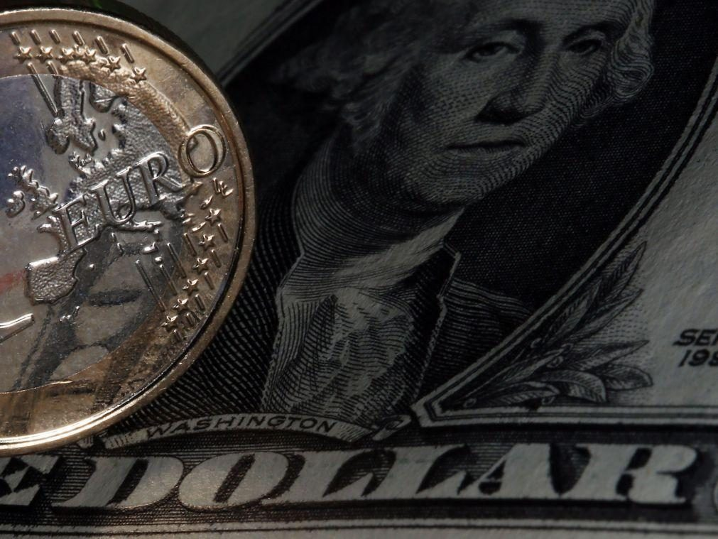 Euro atinge valor máximo de dois anos face ao dólar