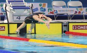 Australiana Kaylee McKeown bate recorde mundial dos 200 metros costas em piscina curta