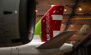 TAP: Plano de reestruturação prevê despedimento de 500 pilotos e redução de salários