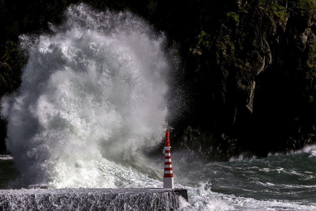 Alerta amarelo para 6 distritos do continente e laranja para a Madeira devido à agitação Marítima