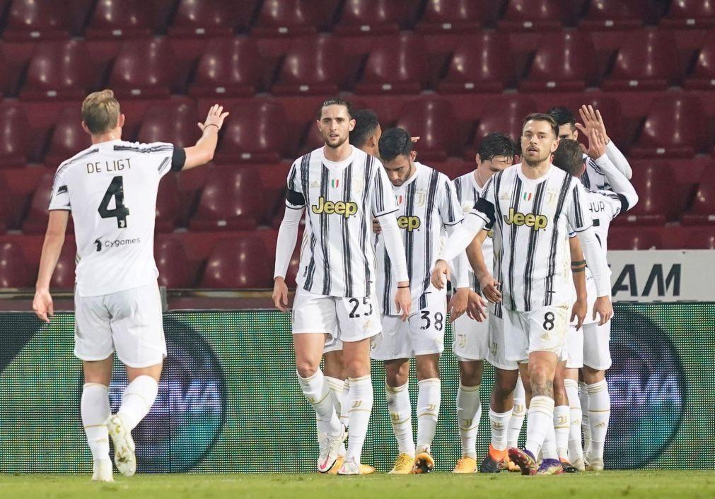 Juventus empata sem Ronaldo e pode ficar mais longe da frente em Itália