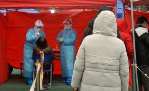 Covid-19: China soma 11 casos oriundos do exterior