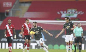 Bruno Fernandes inicia reviravolta e Cavani resgata triunfo do Manchester United