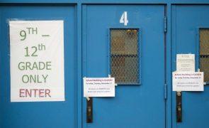 Covid-19: Nova Iorque reabre escolas básicas menos de duas semanas depois de as ter encerrado