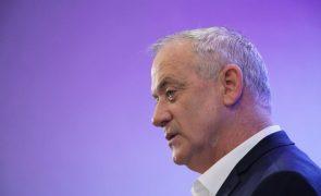 Parceiro de Netanyahu no Governo israelita apoia dissolução de parlamento