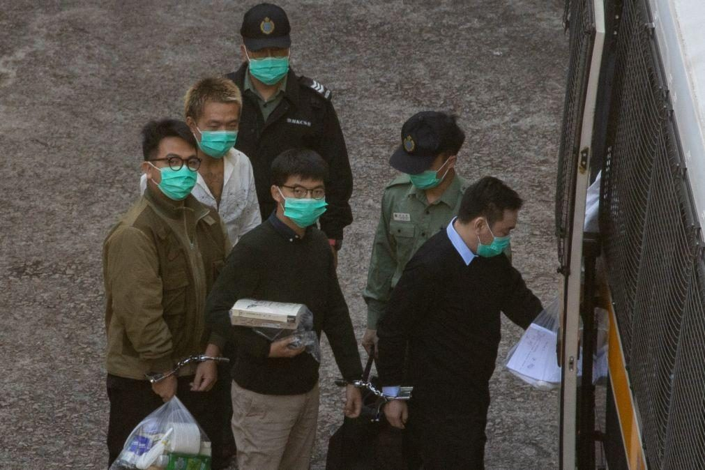 Hong Kong: Ativistas Joshua Wong, Agnes Chow e Ivan Lam condenados a penas de prisão