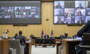 Turquia alvo de críticas duras  em reunião da NATO e em risco de sanções