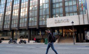 Acionistas do CaixaBank deram luz verde a fusão com o Bankia