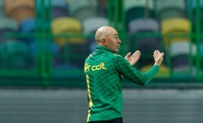 Treinador do Tondela defende equilíbrio entre defesa e ataque frente ao FC Porto