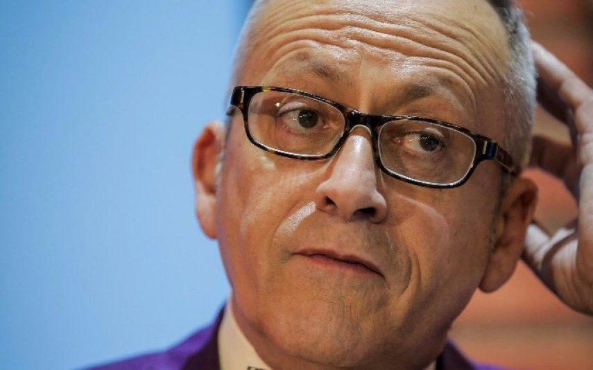 Manuel Luís Goucha agride assistente do Você na TV em direto