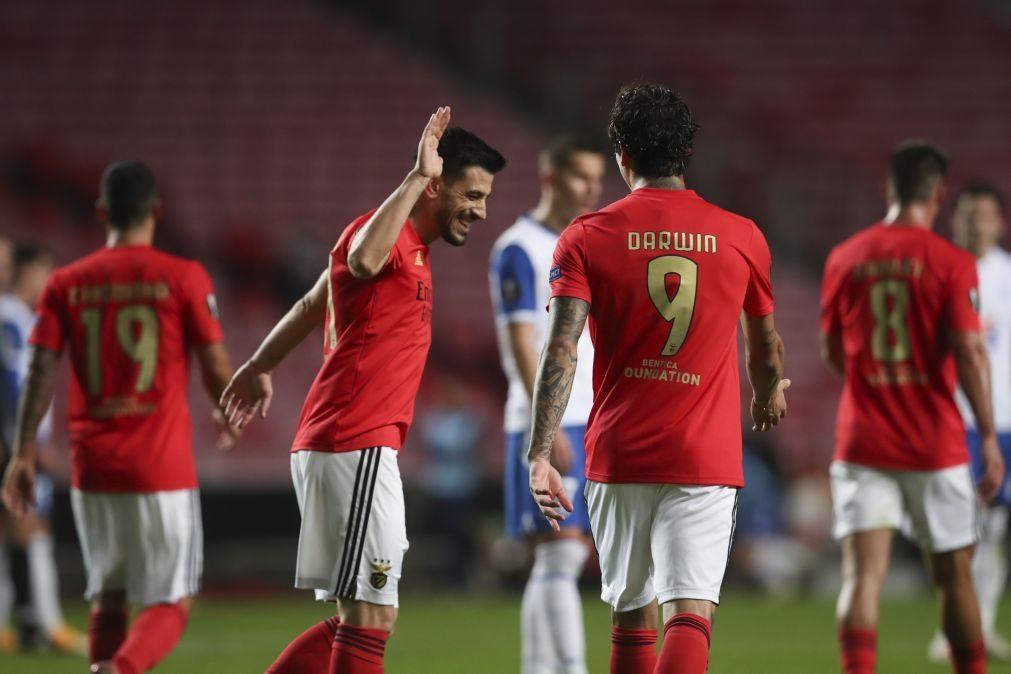Benfica garante apuramento na Liga Europa após goleada frente ao Lech Poznan