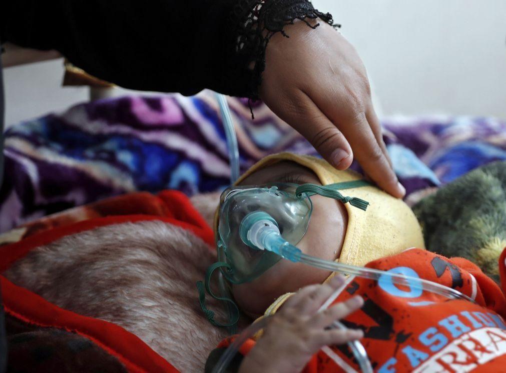 Tratamento da malária baixa mortalidade infantil para metade e custa três euros