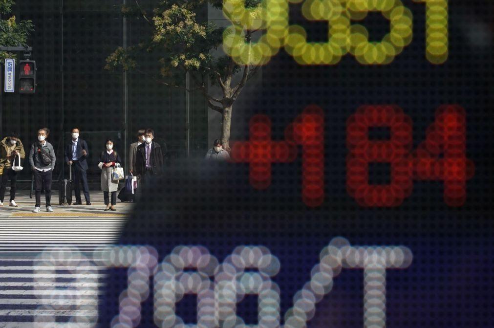 Bolsa de Tóquio fecha a perder 0,22%