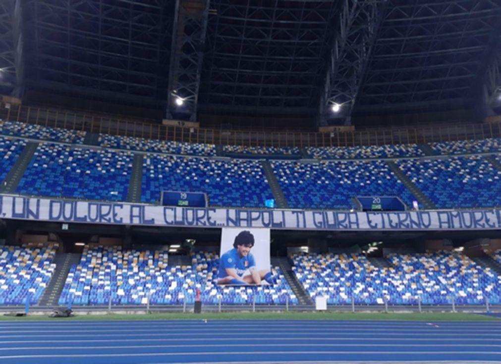 Diego Armando Maradona é o novo nome do estádio de Nápoles