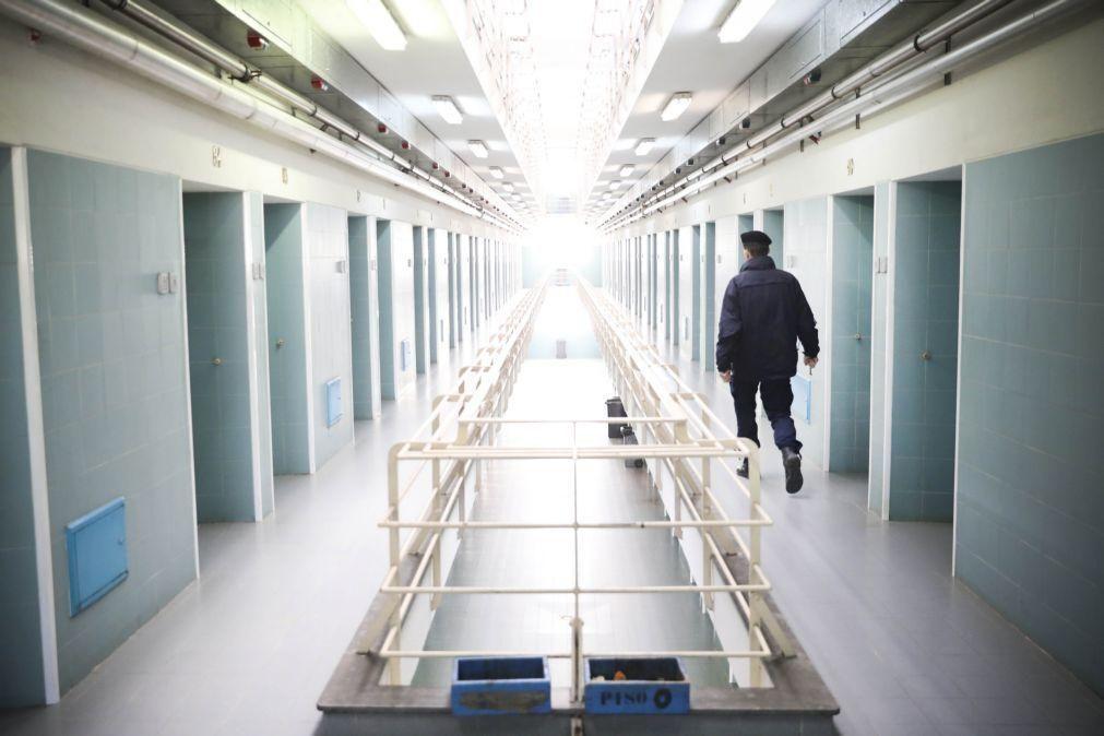Covid-19: Serviços prisionais contabilizam 165 casos