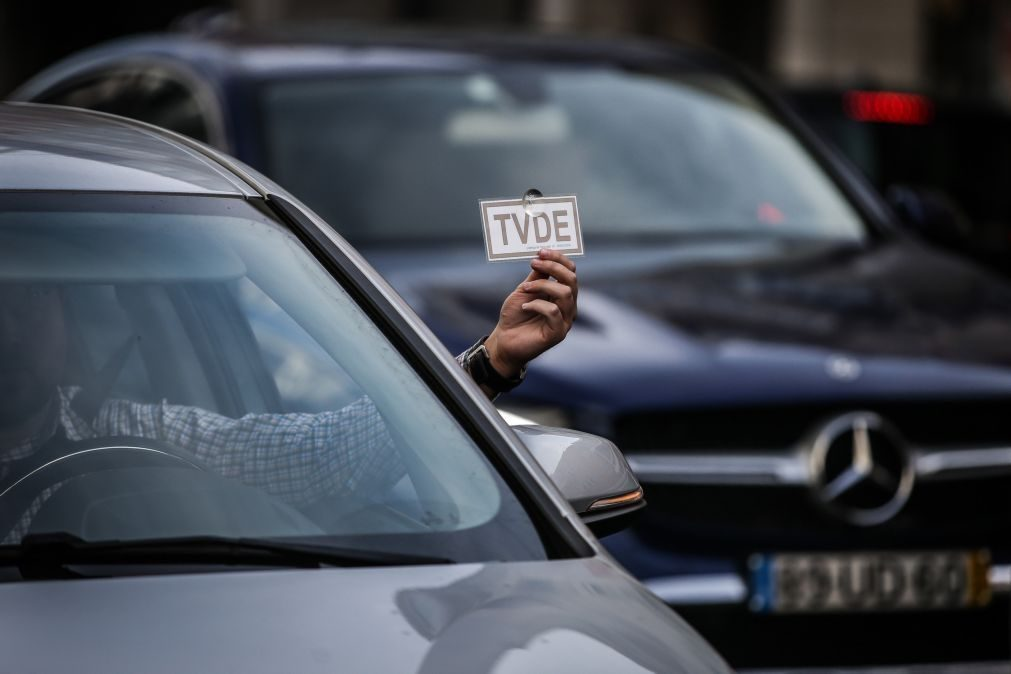 Comissão Europeia quer trabalhadores da Uber e outras plataformas com direitos laborais