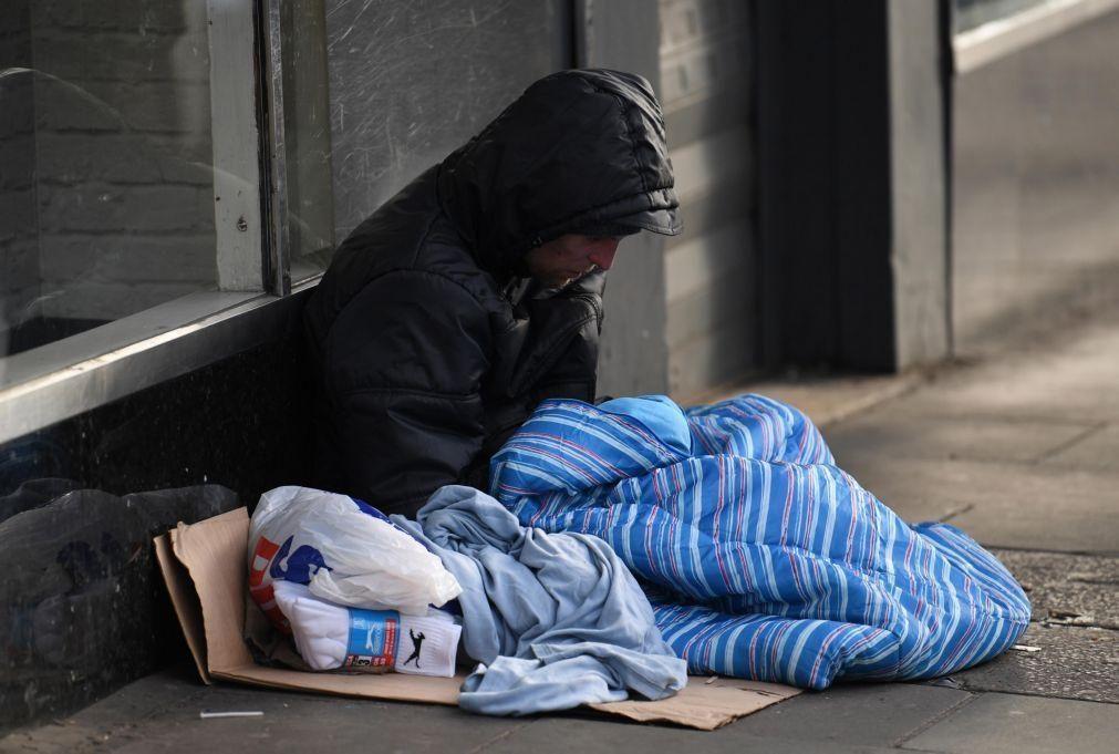 Covid-19: Crise criou novos sem-abrigo mas Bruxelas acha exequível acabar com problema até 2030